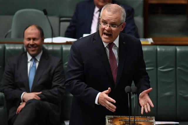 对华指手画脚停不下来,澳洲火速出台对港新移民计划,后果自负