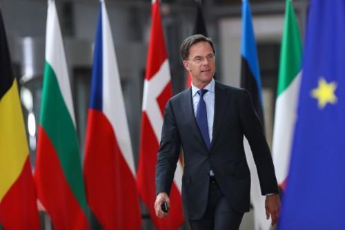 距离大选还有2个月,荷兰曝光大丑闻,首相携政府内阁全部辞职