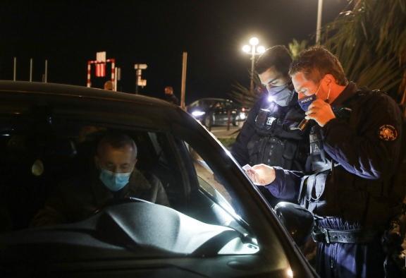 法国14个省疫情超警戒阈值 敦刻尔克启动周末封锁