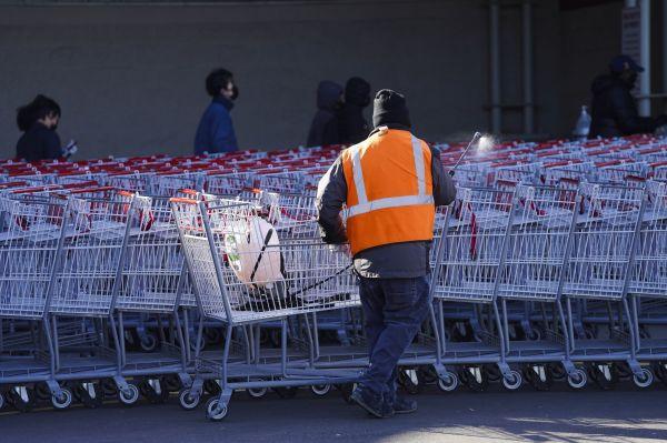 不用排队、还能促销:美一超市启用智能自动购物车
