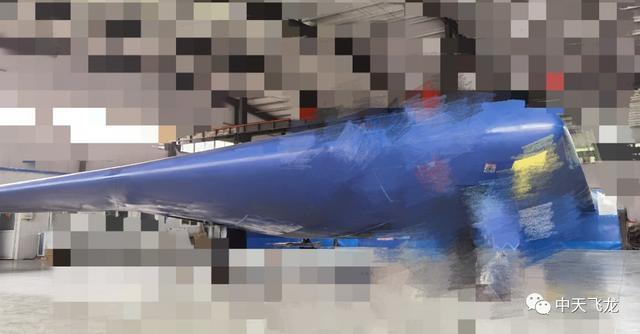 比肩B-21,我国无人隐身轰炸机下线?看完印度人反应比国人还大