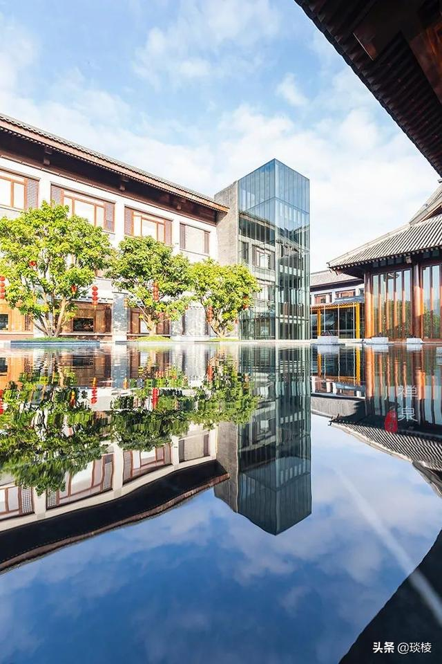 这家现代化酒店,1000平米的大堂,竟是榫卯结构,不用一根钉子 第4张图片