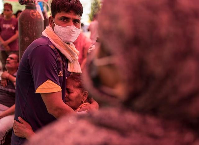 日增40万!大街飘焚尸味,医院火灾烧活人,印度疫情恐拖垮天下 第31张图片