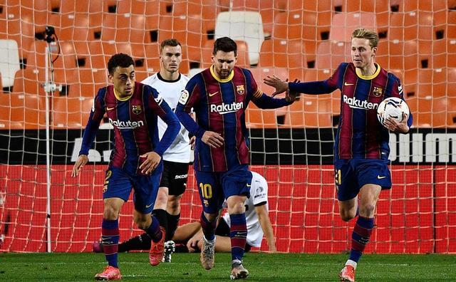 西甲-梅西失点+梅开二度 格列兹曼破门 巴萨3-2落后榜首2分 第1张图片