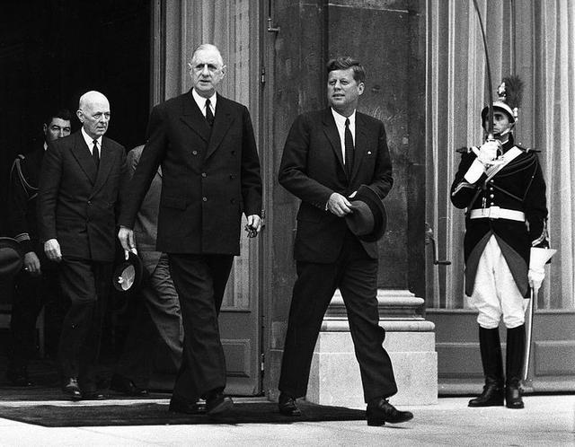 谁是史上最巨大的法国人?他身高近两米,平生躲过30次暗杀 第3张图片