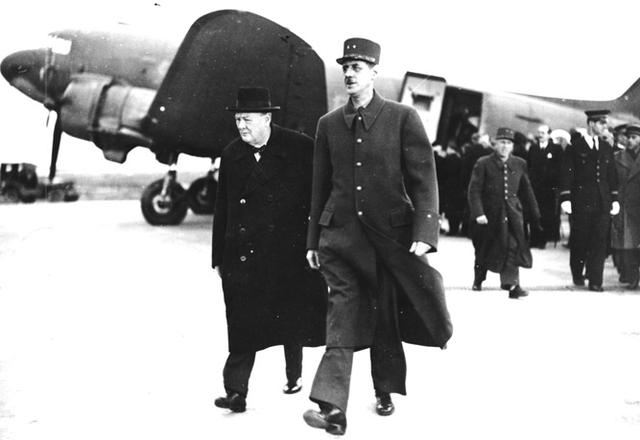 谁是史上最巨大的法国人?他身高近两米,平生躲过30次暗杀 第4张图片