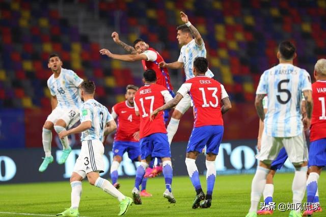 1-1到2-0!梅西连遭重创,阿根廷刷14年羞辱,再输球或掉出前2 第2张图片