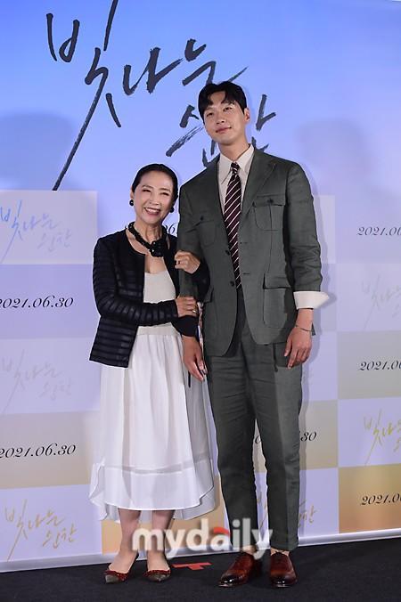 「MD PHOTO」 韩国艺人高斗心池贤宇出席新片《闪耀的瞬间》发布会