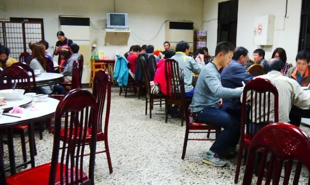 三重礼:这家小餐馆选址一般,但是年收入120万,永远不缺客流