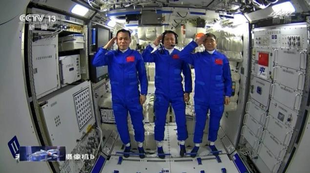 拆箱、装修、WiFi下冲浪……航天员进驻空间站的第一周这样度过