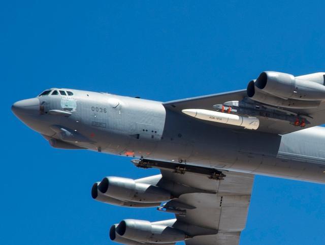 美国公布高明音速导弹性能,技术先辈,性能却比不上俄罗斯 第2张图片