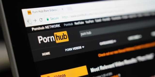 美国成人网站将欧洲名画拍摄成色情版本,或面临卢浮宫起诉 第3张图片
