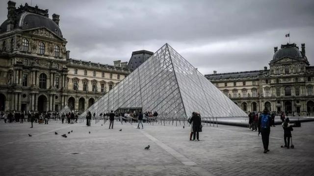 美国成人网站将欧洲名画拍摄成色情版本,或面临卢浮宫起诉 第1张图片