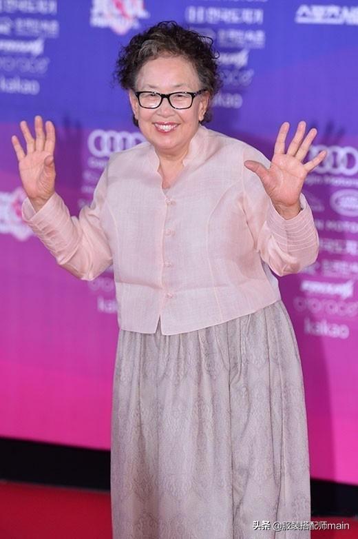"""韩剧""""百姓奶奶""""必杀技曝光!比演技更圈粉的,竟是她的脸色包 第26张图片"""