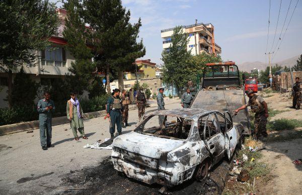 外媒:三枚火箭弹射向阿富汗总统府 第1张图片