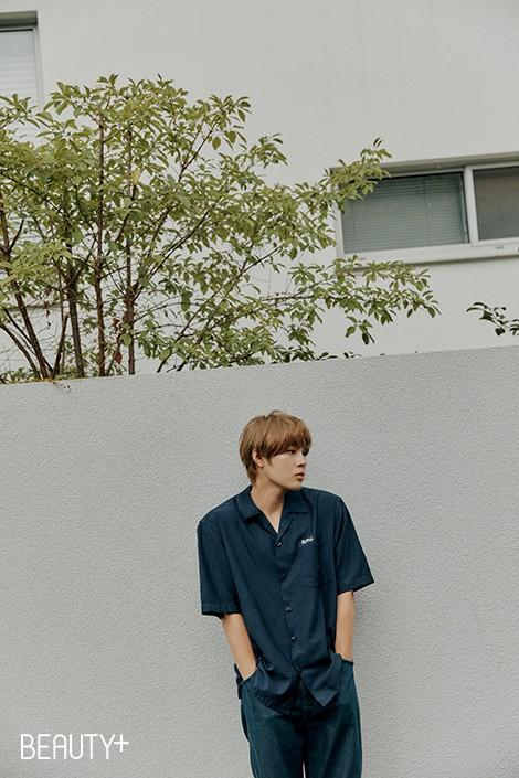 韩国艺人河成云最新杂志写真曝光 第3张图片