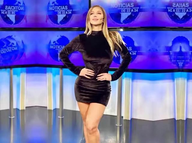 阿根廷女主持,身段曲线完善,收视率暴涨,好身段离不开自律 第6张图片