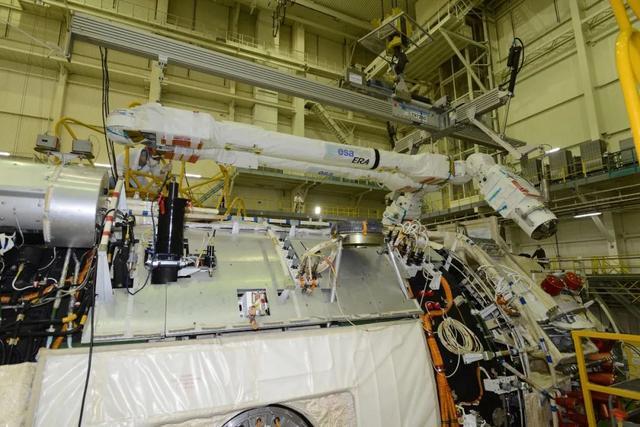 准备13年,欧洲机械臂终究和Nauka 一路发射了 第4张图片