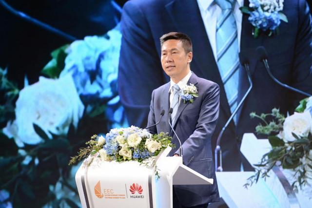 中国驻泰国临时代大使杨欣介绍国药疫苗的下一代研发