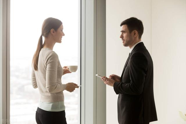 同事不甘,恋人未满:办公室暧昧是婚外恋情高发地,原因有4点