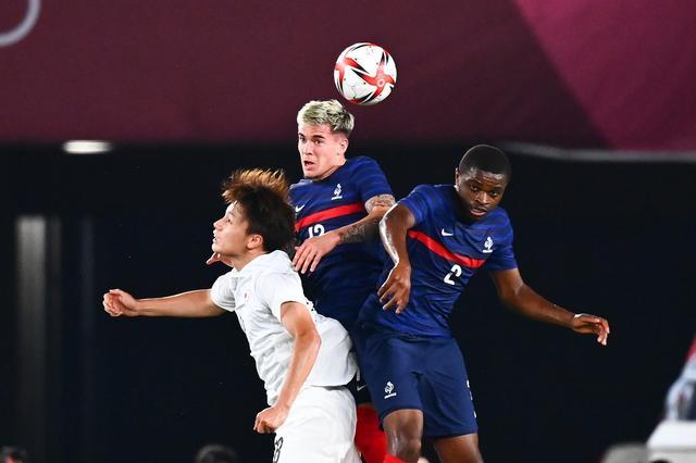 奥运男足赛场冷门多,你没看错,日本国奥队4比0横扫法国