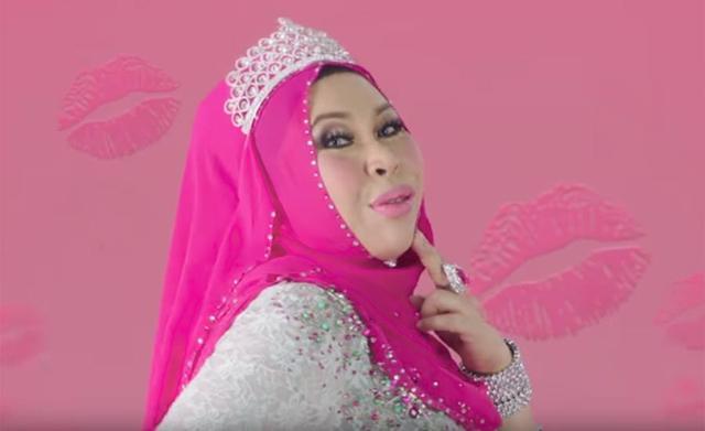 马来西亚50岁富婆要和27岁男助理成婚,女儿解体:已有5个爸爸 第1张图片