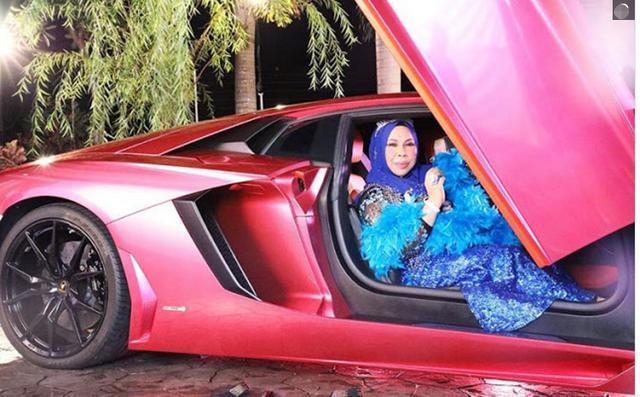 马来西亚50岁富婆要和27岁男助理成婚,女儿解体:已有5个爸爸 第3张图片