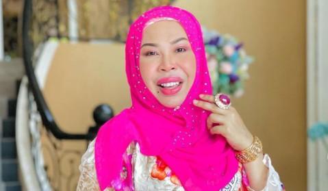 马来西亚50岁富婆要和27岁男助理成婚,女儿解体:已有5个爸爸 第2张图片