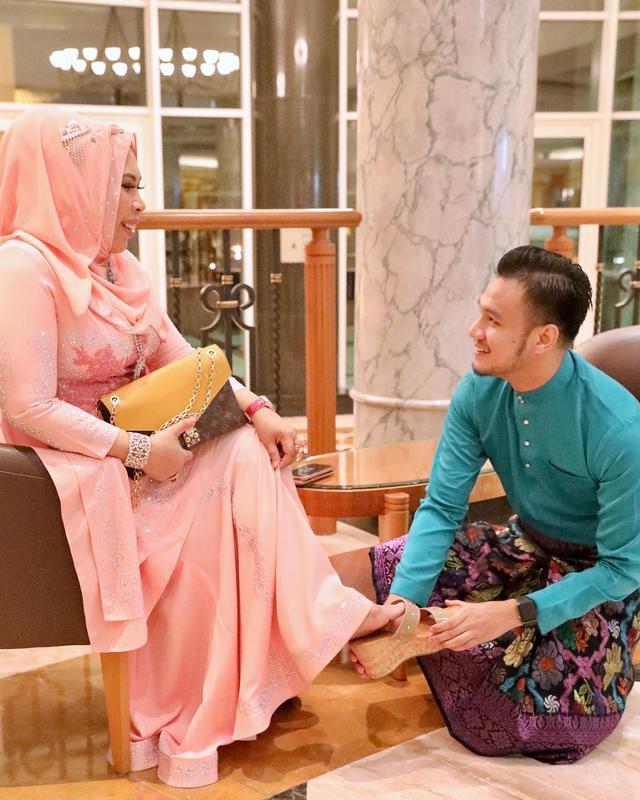 马来西亚50岁富婆要和27岁男助理成婚,女儿解体:已有5个爸爸 第6张图片