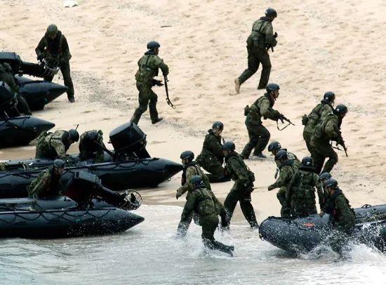日本,这是预备和中国大打一仗? 第1张图片