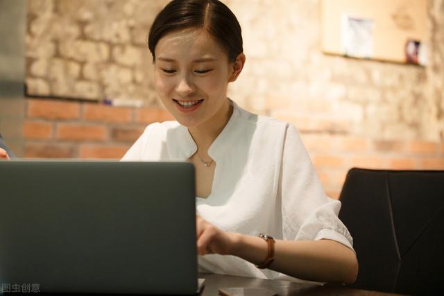 想在职场混得好,这4条潜规则必须知道,别让领导同事欺负你