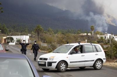 西班牙拉帕尔马岛火山狠恶喷发 第1张图片