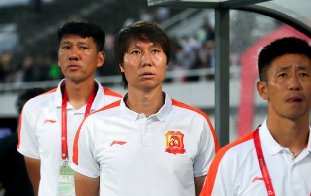 李铁对归化球员的使用,是对中国足球最后的倔强吗?